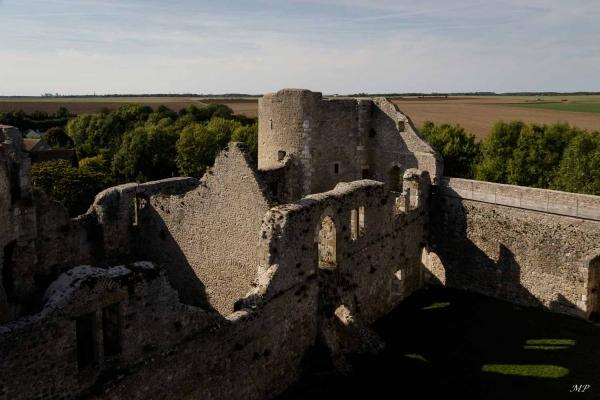 Le château médiéval d'Yevre-le-Châtel