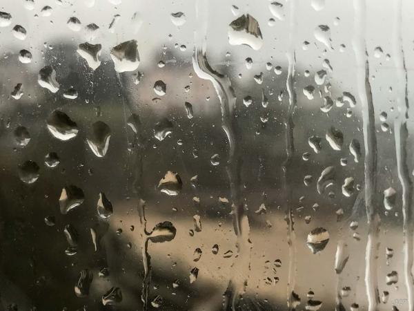 Qui a dit qu'il pleut souvent en Bretagne ?