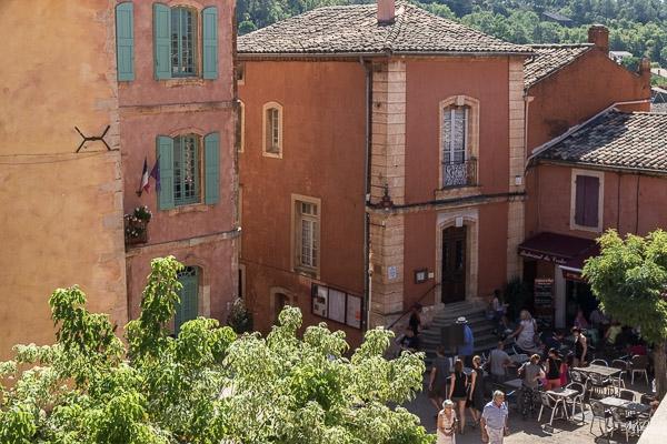 La Grande Place de Roussillon