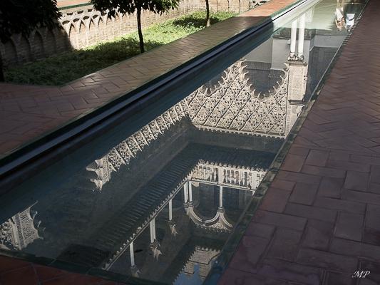 Séville  - Reflet à l'Alacazar