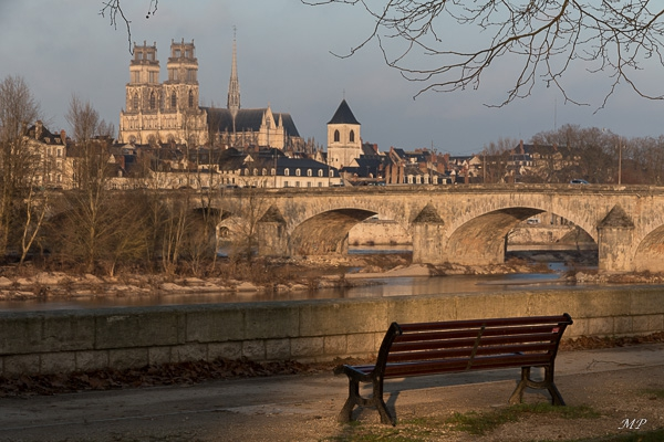 Pause Quai de Pragues avec vue sur Orléans