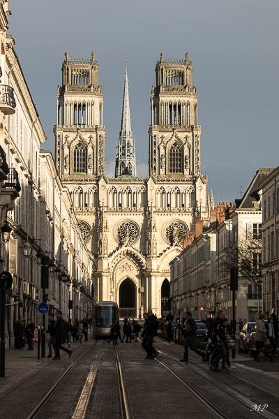 Fin d'après-midi sur la Cathédrale d'Orléans